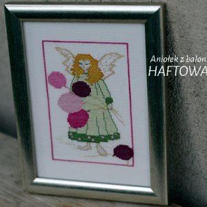 Aniołek z balonikami | wyszywany haftem krzyżykowym | upominek na chrziny lub komunię