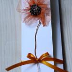 Zaproszenia ślubne - PŁOMIENNY ORANŻ | Ręcznie robione z przestrzennym kwiatkiem | Przewiązane atłasową wstążeczką w pomarańczowym kolorze