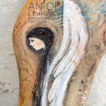 Anioł Czuwający zawsze jest na miejscu i zawsze w pogotowiu, aby nieść pomoc, pocieszenie, radość, szczęście