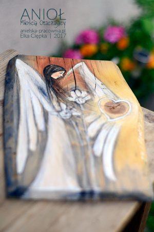 Anioł Miłością Otaczający dba o to, aby życie było przepełnione miłością